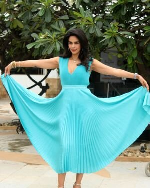 Mallika Sherawat - Photos: Promotion Of Upcoming Series NAKAAB At Sun N Sand Hotel   Picture 1826404