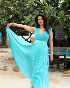 Mallika Sherawat - Photos: Promotion Of Upcoming Series NAKAAB At Sun N Sand Hotel   Picture 1826405
