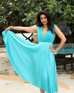 Mallika Sherawat - Photos: Promotion Of Upcoming Series NAKAAB At Sun N Sand Hotel   Picture 1826402