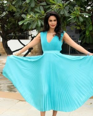 Mallika Sherawat - Photos: Promotion Of Upcoming Series NAKAAB At Sun N Sand Hotel   Picture 1826403
