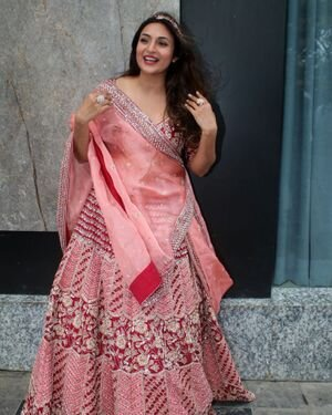 Divyanka Tripathi - Photos: Celebs Spotted At Airport   Picture 1827306