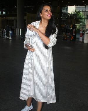 Mugdha Godse - Photos: Celebs Spotted At Airport   Picture 1827315