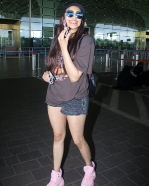 Adah Sharma - Photos: Celebs Spotted At Airport | Picture 1827330