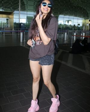 Adah Sharma - Photos: Celebs Spotted At Airport