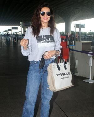 Karishma Tanna - Photos: Celebs Spotted At Airport | Picture 1827484