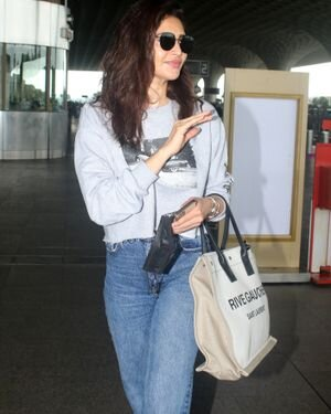 Karishma Tanna - Photos: Celebs Spotted At Airport | Picture 1827483