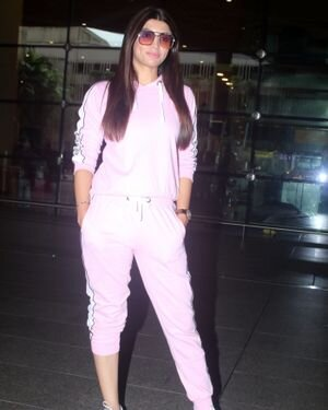 Akanksha Puri - Photos: Celebs Spotted At Airport | Picture 1827496
