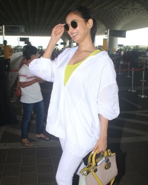 Sonal Chauhan - Photos: Celebs Spotted At Airport   Picture 1827555