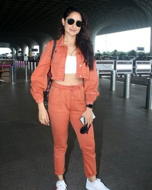 Pragya Jaiswal - Photos: Celebs Spotted At Airport   Picture 1827563