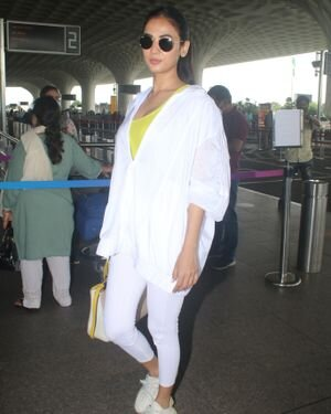 Sonal Chauhan - Photos: Celebs Spotted At Airport   Picture 1827552