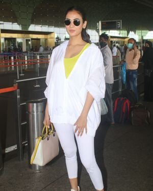 Sonal Chauhan - Photos: Celebs Spotted At Airport   Picture 1827557