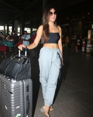 Donal Bisht - Photos: Celebs Spotted At Airport | Picture 1827570