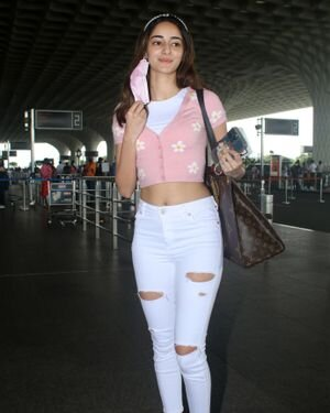 Ananya Panday - Photos: Celebs Spotted At Airport   Picture 1827550