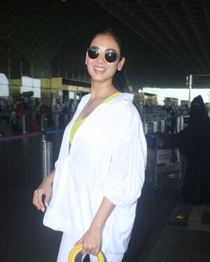 Sonal Chauhan - Photos: Celebs Spotted At Airport   Picture 1827554