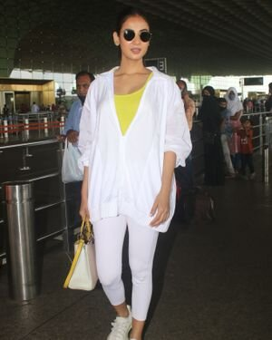 Sonal Chauhan - Photos: Celebs Spotted At Airport   Picture 1827558