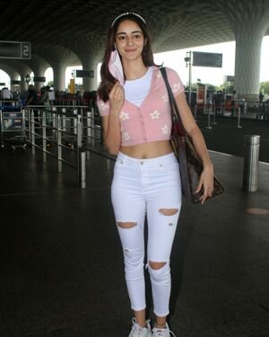 Ananya Panday - Photos: Celebs Spotted At Airport   Picture 1827546