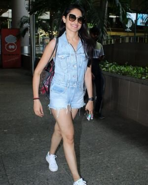 Pragya Jaiswal - Photos: Celebs Spotted At Airport   Picture 1827593