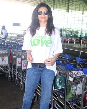 Karishma Tanna - Photos: Celebs Spotted At Airport | Picture 1827611