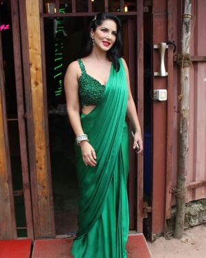 Sunny Leone - Photos: Celebs Spotted At Versova | Picture 1827622
