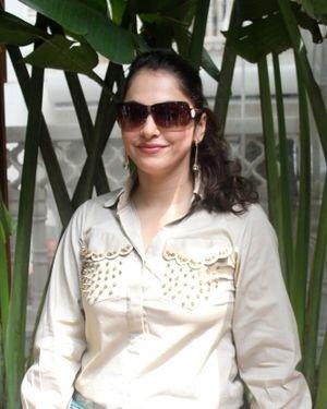 Isha Koppikar - Photos: Celebs Spotted At Bandra   Picture 1827628