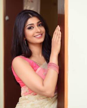 Aditi Prabhudeva Latest Photos   Picture 1742343