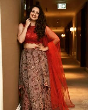 Shruti Marathe Latets Photos | Picture 1739301