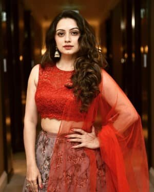 Shruti Marathe Latets Photos | Picture 1739303