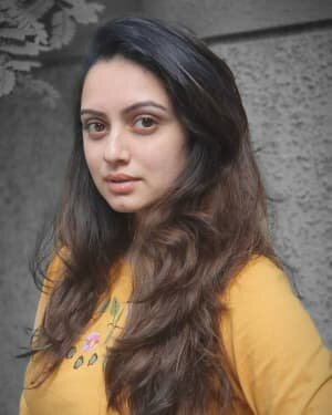 Shruti Marathe Latets Photos | Picture 1739305