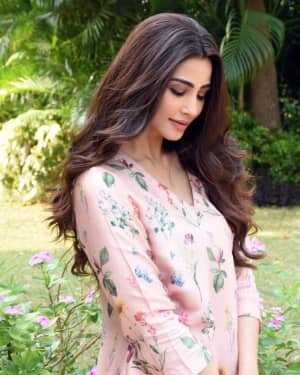 Daisy Shah Latest Photos | Picture 1755177