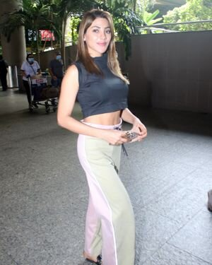 Nikki Tamboli - Photos: Celebs Spotted At Airport | Picture 1824360