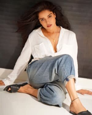 Pia Bajpai Hot Photos | Picture 1772566