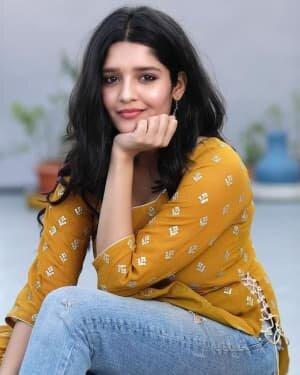 Ritika Singh Latest Photos | Picture 1804419