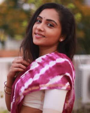 Smruthi Venkat Latest Photoshoot | Picture 1745289