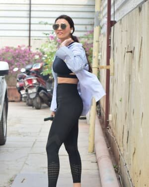 Daisy Shah - Photos: Celebs Spotted At Bandra | Picture 1754229