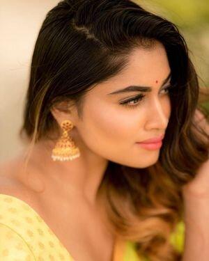 Shivani Narayanan Photos | Picture 1812187