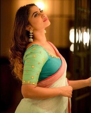Shivani Narayanan Photos | Picture 1812190
