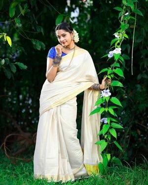 Sunu Lakshmi Latest Photos | Picture 1812126