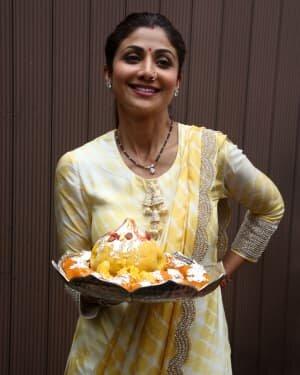 Photos: Shilpa Shetty Ganpati Immersion At Juhu | Picture 1747312