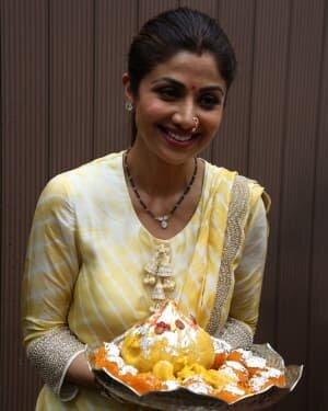 Photos: Shilpa Shetty Ganpati Immersion At Juhu | Picture 1747311