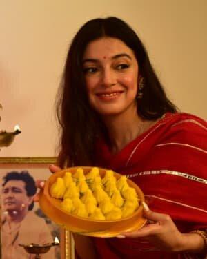 Divya Khosla Kumar Celebrates Ganesh Festival At T Series Office | Picture 1747327