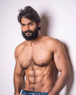 Kartikeya Gummakonda Macho 6 Pack Abs Photoshoot | Picture 1735082