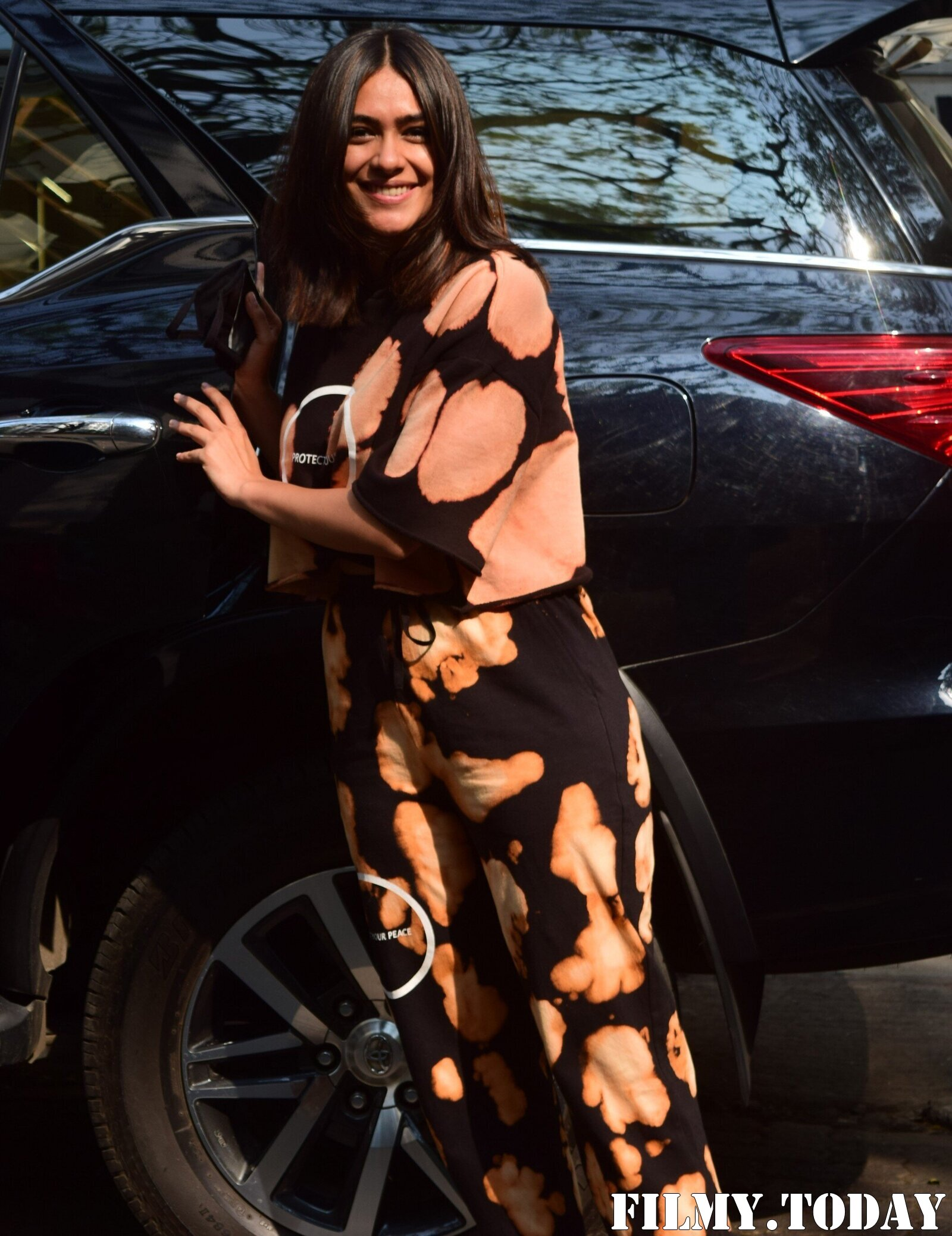 Photos: Mrunal Thakur Snapped At Roy Films | Picture 1777050