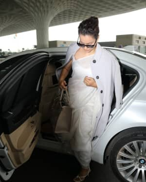 Kangana Ranaut - Photos: Celebs Spotted At Airport | Picture 1765640