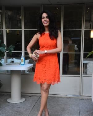 Mallika Sherawat - Photos: Celebs Spotted At Bandra | Picture 1765589