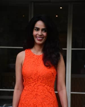 Mallika Sherawat - Photos: Celebs Spotted At Bandra | Picture 1765595