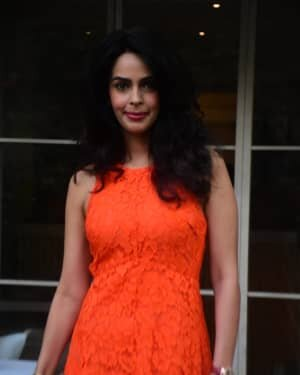 Mallika Sherawat - Photos: Celebs Spotted At Bandra | Picture 1765590