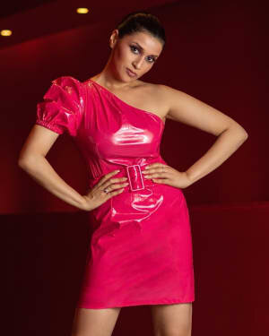 Mannara Chopra Latest Photoshoot | Picture 1805427